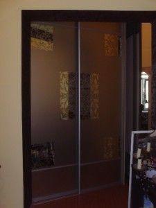интересный рисунок на дверях шкафа купе раздвижного, работа на заказ