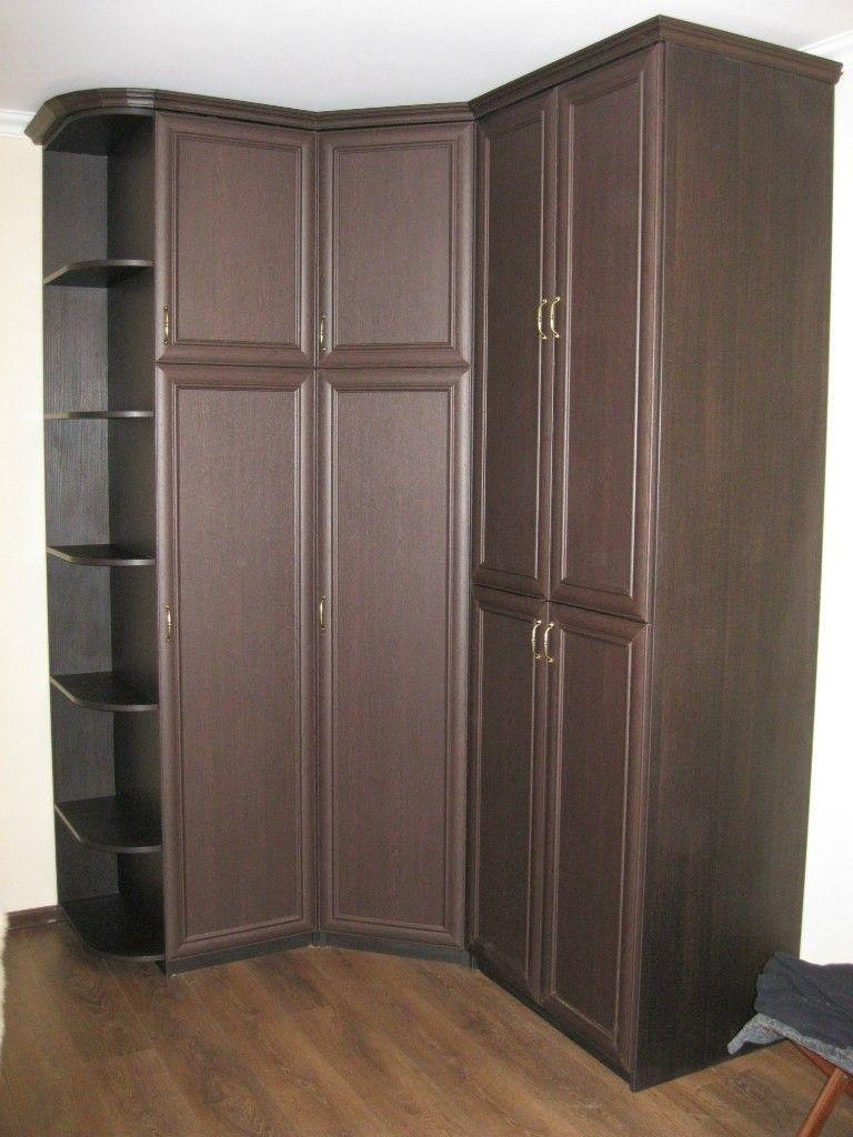 угловой шкаф с полками для книжек